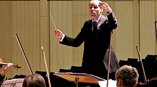 http://upload.wikimedia.org/wikipedia/commons/1/10/Christoph_Ehrenfellner%2C_conductor.JPG